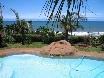 Im Schwimmingpool mit Ausblick über den Indischen Ozean.