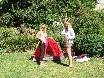 zwei Frauen ein Zelt...